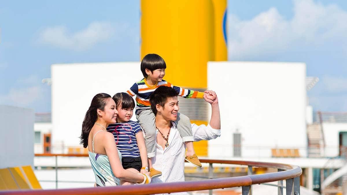 4-family-on-cruise.jpg