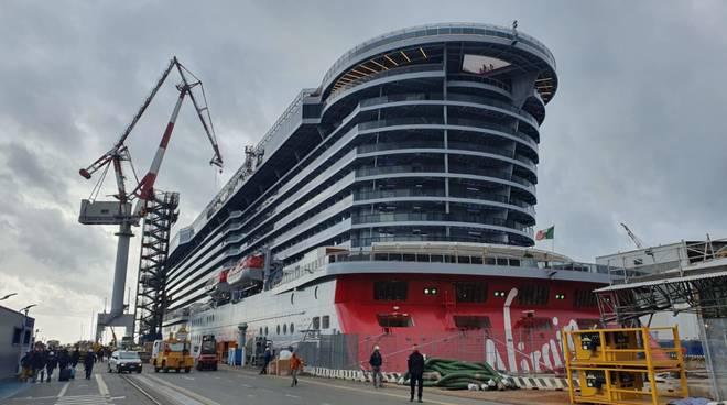 Nave da crociera in costruzione presso lo stabilimento stabilimento Fincantieri Genova Sestri Ponente